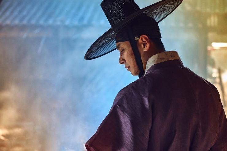 Joo Ji Hoon como Lee Chang em k-drama de zumbi da netflix
